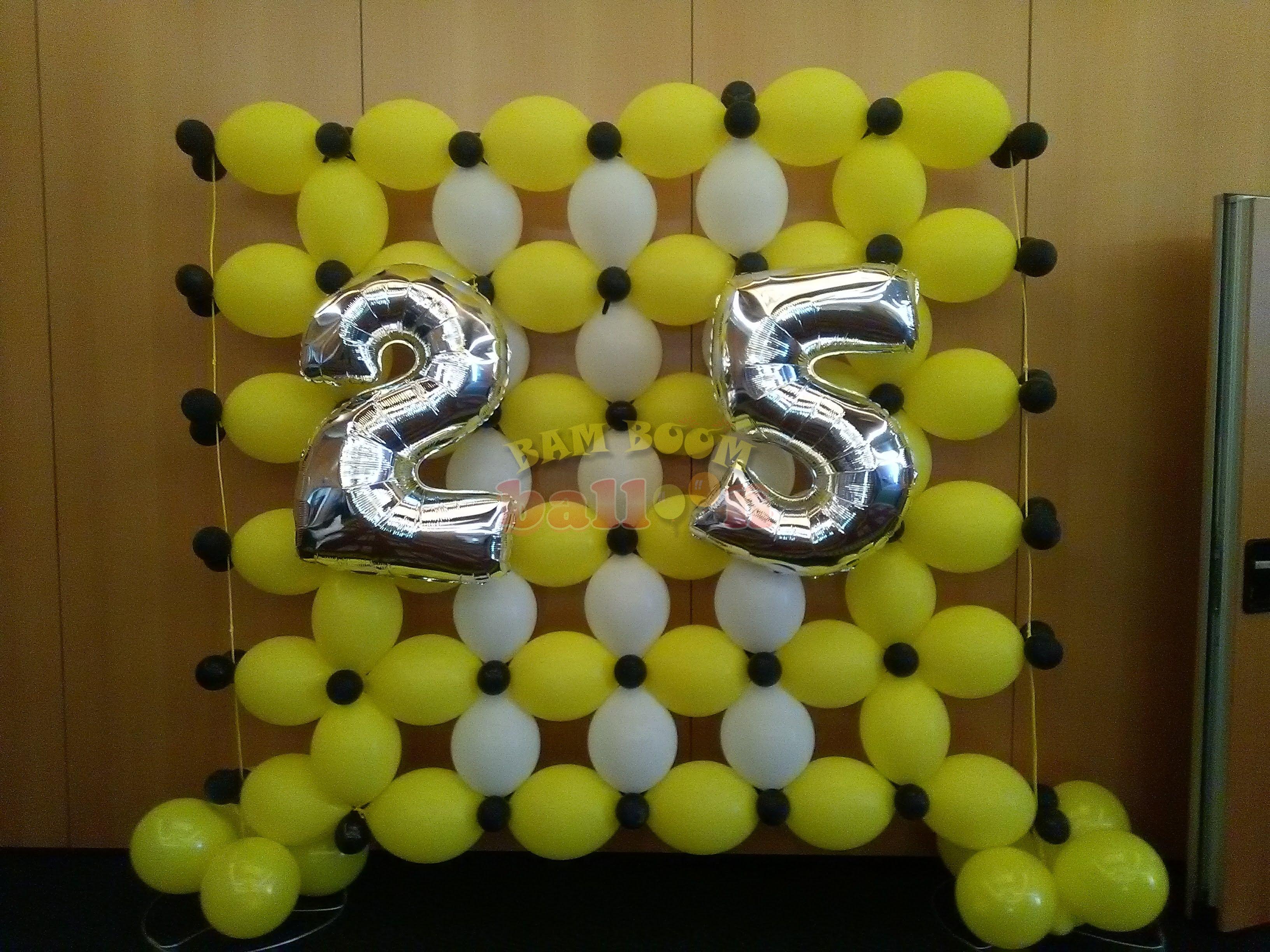 Αριθμοί foil σε τοίχο από link balloons